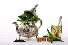 Peppermint tea contains menthol which helps get rid of stubborn indigestion and thereby preventing nausea & vomiting