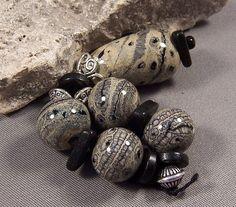 Handmade Lampwork Beads by Mona Sullivan