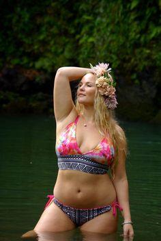 Look Sensational In Plus Size Swimwear Beautiful Curves, How To Feel Beautiful, Curvy Fashion, Plus Size Fashion, Swimming Outfit, Swimming Clothes, Curvy Swimwear, Plus Size Beauty, Plus Size Swimsuits