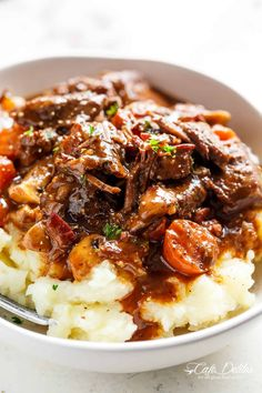 Beef Bourguignon (Julia Child Recipe) Tender fall apart chunks of beef simmered in a rich red wine gravy makes Julia Child's Beef Bourguignon an incredible family dinner. Julia Child's Beef Bourguignon (Boeuf à la Bourguignonne in French) Stew Meat Recipes, Slow Cooker Recipes, Cooking Recipes, Healthy Recipes, Beef Chunks Recipes Easy, Stewing Beef Recipes, Diced Beef Recipes, Beef Tip Recipes, Meat And Potatoes Recipes