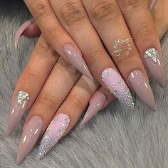 @fiina_naillounge #stilettosuicide #nailporn #stilettosnails