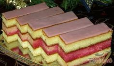 Janka's punch cuts - Food and Drink Slovak Recipes, Czech Recipes, Czech Desserts, Baking Recipes, Dessert Recipes, Delish Cakes, Sweet Cooking, Vegetarian Breakfast Recipes, Small Desserts