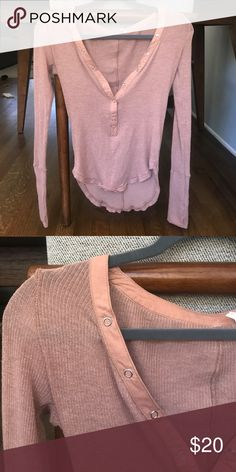 Urban outfitters top Snap closure. Great condition Urban Outfitters Tops Tees - Long Sleeve