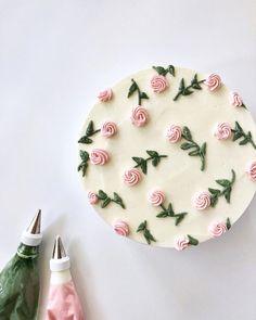 Pretty Birthday Cakes, Pretty Cakes, Beautiful Cakes, Amazing Cakes, Flower Birthday Cakes, Cheetah Birthday Cakes, Crafts Beautiful, Flower Cakes, Cake Birthday