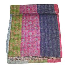 This piece of art can be used as a coverlet/ bed bpread/ bed cover/ bed sheet/ table cover/ table runner/ throw or wall hanging. This silk quilt is exquisite example of hand made/ hand stitched quilting work art. Kantha Quilt, Quilts, Handmade Bedding, Indian Quilt, Vintage Blanket, Bed Covers, Art Deco Fashion, Queen Size, Retro Vintage