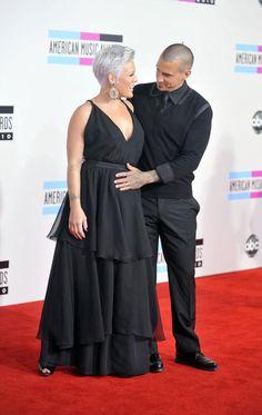 Pregnant+Pink+and+Carey+Hart Pop Punk, True Love Couples, Carey Hart, Hip Hop, Pregnant Celebrities, American Music Awards, Jolie Photo, Best Husband, Everything Pink