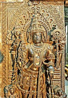 Belur temple, Dvarapalaks