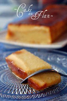 Cake au flan : gateau yaourt et le flan : - 4 jaunes d'oeufs, - 80 g de sucre, - 1 sachet de sucre vanillé,- 300 ml de lait.