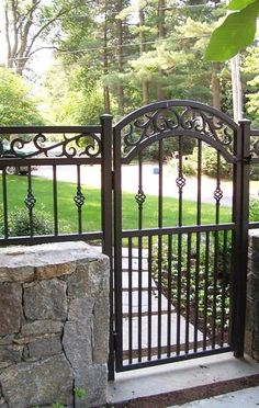 10 Surprising Tricks: Front Yard Fences For Fencing Ideas To Block Out Neighbours.Modern Fence In Nj Garden Fence Border Ideas.Fence Ideas For Inground Pool. Wrought Iron Gate Designs, Wrought Iron Fences, Iron Fence Gate, Metal Fences, Fence Gates, Wrought Iron Decor, Backyard Fences, Garden Fencing, Metal Garden Gates