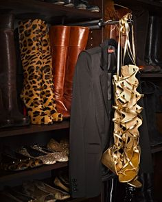 From Kim Kardashian to Rachel Zoe: 10 Amazing Celebrity Closets | StyleCaster (Everyone loves tey garment valet and chocolate pear tree appears to be a popular color choice)