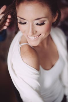 light smokey eyes - Crystal Stokes Photography - http://ruffledblog.com/gold-and-glam-wedding-ideas/