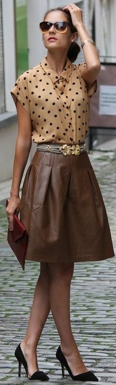 A leather skirt that looks classy! In love <3