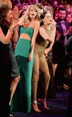 """Jessie J Booty Shakes With Khloé Kardashian and Taylor Swift During AMA Performance of """"Bang Bang""""—Watch!  Lorde, Taylor Swift, Jessie J, American Music Awards 2014"""