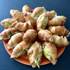 Croissant, Italian Finger Foods, Arancini, Mini Foods, Antipasto, Bread Baking, Fresh Rolls, Tea Time, Catering