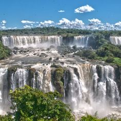 Places I would love to visit: Iguazú Falls, Argentina and Brazil Border.