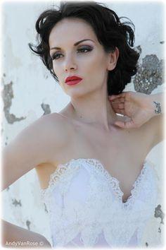 Modeling for 'Oikos Tranoulis'