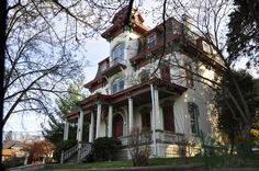 House at Nyack (NY) painted by E. Hopper