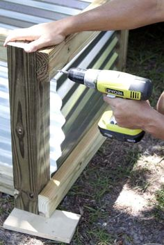 How to Build a Modern DIY Garden Box - Southern Revivals Metal Raised Garden Beds, Raised Garden Bed Plans, Building Raised Garden Beds, Raised Beds, Vege Garden Ideas, Home Vegetable Garden, Garden Boxes, Garden Projects, Wood Projects
