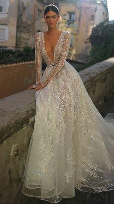 Inbal Dror 2019 Wedding Dresses – World of Bridal 2019 – Sommer Hochzeit Trend 2019 Sexy Wedding Dresses, Bridal Dresses, Wedding Gowns, Dresses Dresses, Beaded Wedding Dresses, Lace Wedding, Dramatic Wedding Dresses, Swan Lake Wedding, Light Wedding