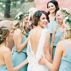 How darling is the detail on this dress + the back draping necklace? We've been noticing this trend more and more! What do you think? Let us know in the comments below!! ✨ photog: @kelseaholderphoto | design: @powwowdesignstudio | florals: @fluidbloom | dress: @alarobe | BM dresses: @showmeyourmumu