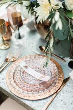 Copper boho tableware: http://www.stylemepretty.com/california-weddings/simi-valley-california/2016/04/26/this-california-inspiration-session-will-teach-you-how-to-make-trends-timeless/ | Photography: Gloria Mesa - http://www.gloriamesa.com/