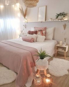 35 Amazingly Pretty Shabby Chic Bedroom Design and Decor Ideas - The Trending House Cute Bedroom Decor, Stylish Bedroom, Room Ideas Bedroom, Girl Bedroom Designs, Aesthetic Room Decor, Cozy Room, My New Room, Room Inspiration, Guest Bedrooms