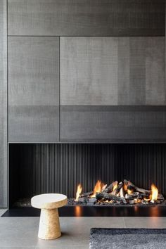 3 Comfortable and Modern Bedroom with Fireplace - We all need a warm bedroom to have the quality sleep. Try these comfortable and modern bedroom with fireplace. Bedroom Fireplace, Home Fireplace, Modern Fireplace, Living Room With Fireplace, Fireplaces, Fireplace Facade, Concrete Fireplace, Modern Bedroom Design, Luxury Interior Design