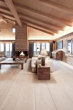 World's Most Beautiful Wood: The Dinesen Story Dinesen Holzboden, Chalet Gstaad.