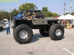 Picture of custom keep wrangler rigs with custom lifts, tires , and off road mods. Jeep Wrangler Tj, Jeep Cj7, Jeep Wrangler Unlimited, Badass Jeep, Custom Jeep, Cool Jeeps, Vanellope, Jeep Truck, Jeep Life