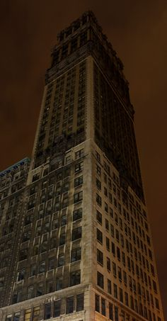 Abandoned Skyscrapers~Book Tower, the 9th tallest building in Detroit, is completely abandoned.