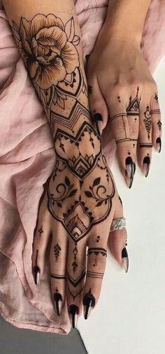 Flowers Pattern Tattoo Henna Mehndi 51 New Ideas - { Flowers } - Henna Designs Hand Henna Tattoo Hand, Henna Tattoo Muster, Henna Mehndi, Mehndi Art, Arte Mehndi, Rose Hand Tattoo, Lion Tattoo, Henna Tattoo Designs Simple, Mehndi Designs For Fingers
