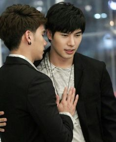 TulMax / Together with me Korn, Queen Victoria Family Tree, Lgbt Love, Bad Romance, Cute Gay Couples, Love Scenes, Thai Drama, Young Love, Boyxboy