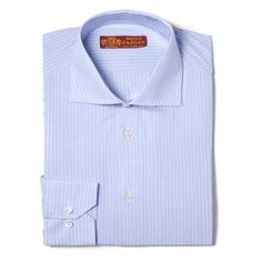 Camisa azul con raya fina blanca