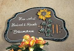 Beschriftetes Keramik Türschild Sonnenblume - Genau das richtige Schild für Liebhaber der Sonnenblume.
