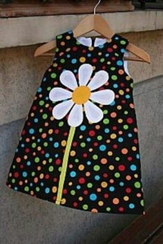 33 Ideas Patchwork Baby Dress Ideas For 2019 Baby Dress Patterns, Sewing Patterns, Sewing For Kids, Baby Sewing, Sewing Clothes, Doll Clothes, Couture Bb, Sewing Crafts, Sewing Projects
