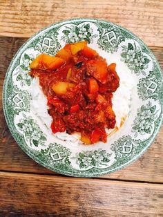 Goulash stoofschotel recept foodblog Foodinista