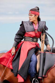 Do Jihan as Park Banryu in Hwarang Hwarang Korean Drama, Asian Actors, Korean Actors, Do Jihan, Hwarang Taehyung, Ban Ryu, Park Hyung Sik, Kdrama Actors, Korean Men