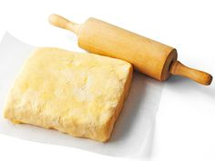 Piirakkataikinoissa on eroja Finnish Recipes, Sweet Pie, Rolling Pin, Bon Appetit, Rolls, Bread, Cheese, Food, Pastries