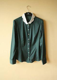 Kup mój przedmiot na #vintedpl http://www.vinted.pl/damska-odziez/koszule/18181989-ciemnozielona-koszula-w-groszki-pensjonarka-butelkowozielona-zielen-pin-up-bialy-kolnierzyk-kropki