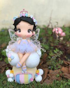 Nenhuma descrição de foto disponível. Polymer Clay Fairy, Cute Polymer Clay, Polymer Clay Miniatures, Diy Clay, Clay Crafts, Diy And Crafts, Fairy Birthday Party, Birthday Parties, Clay Fairy House