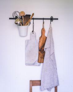 liiv stellt sich vor: Fanny – liiv.blog Nordic Interior, Interior Styling, Interior Design, Minimalist Scandinavian, Scandinavian Kitchen, New Cabinet, Cabinet Decor, Modern Kitchen Design, Modern Design