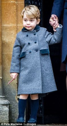 Prince George and Princess Charlotte join their parents for church in Bucklebury | Daily Mail Online
