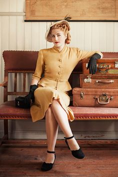 1940's complete costume look. American middle to higher class, reminds me of agent Carter from marvel, that took place in 1945 and she always wore pieces like this