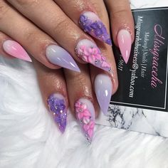 I think all the girls are racking their brains to create a distinctive makeup look and dress, and have done an eye-catching look. Matte Nails Glitter, Acrylic Nails, Long Gel Nails, Short Nails, Florida Nails, Pointed Nails, Nail Art Blog, Fresh Makeup, Crazy Nails