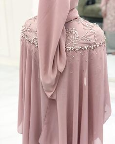 30 ideas embroidery bead sew for 2019 Abaya Fashion, Muslim Fashion, Modest Fashion, Fashion Dresses, Hijab Dress Party, Hijab Style Dress, Dress Outfits, Embroidery Fashion, Embroidery Dress