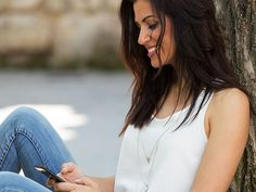 Ranging from hellos and question, to funny and flirty messages that help you stand out; browse over 100 creative online dating first messages examples. Dating Tips For Women, Flirting Tips For Girls, Dating Advice, Dating Rules, Dating Questions, Snapchat Selfies, Funny Dating Quotes, Dating Humor, Divorce Humor