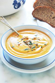 Butternut cream with curry and coconut milk - Butternut cream soup with curry and coconut milk. Butternut is a va - Best Dinner Recipes, Wine Recipes, Soup Recipes, Butternut Curry, Crockpot Steak Recipes, Healthy Egg Recipes, Quick Healthy Breakfast, Deviled Eggs Recipe, Low Calorie Snacks