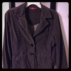 "Selling this ""Gray Blazer"" in my Poshmark closet! My username is: melissanbravo. #shopmycloset #poshmark #fashion #shopping #style #forsale #Jackets & Blazers"