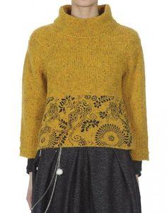 KLIMT: Mustard Donegal tweed flock sweater with screenprint at hem Sweater Knitting Patterns, Knitting Designs, Knit Patterns, Fair Isle Knitting, Hand Knitting, Tejido Fair Isle, Motif Fair Isle, Icelandic Sweaters, Sweater Fashion