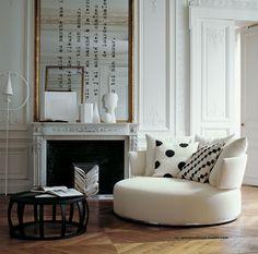 "B&B Italia AmoenusOttoman smallcircular sofa designed byAntonio Citterio ""has an integral base which allows it to be slowly rotated (by hand) 360 degrees"" source:www.atomicinteriors.co.uk via takingashortbreak"